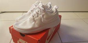 Neu•Nike Roshe Two weiss Damen