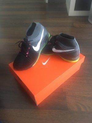 NEU!!!! Nike Schuhe Größe 38.5