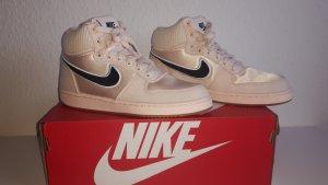 *Neu* Nike - Sneaker