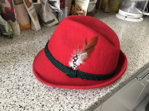 Cappello in feltro rosso