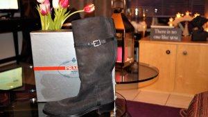 NEU: Original Prada Stiefel aus edlem schwarzen Leder Gr.41, mit Staubbeutel