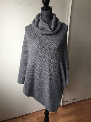 Reserved Knitted Poncho dark grey