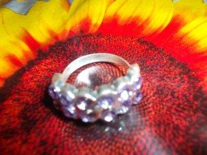 Anillo color plata-lila