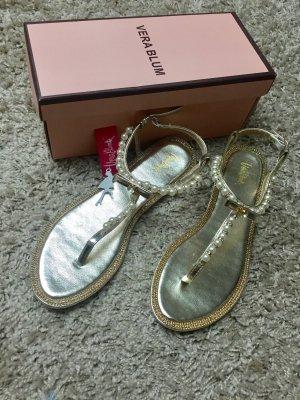 Neu! Sandalen mit Perlenbesatz