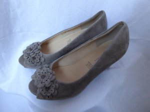 5th Avenue Peep Toe Pumps grey brown leather