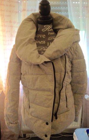 Neu Schöne graue Winterjacke mit Kragen Gr. S