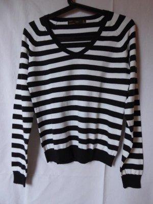 NEU: Schwarz-weiß gestreifter Pullover von Zara