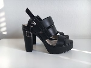 Akira Plateauzool Sandalen met Hoge Hakken zwart