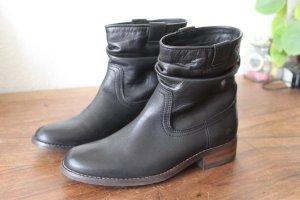 NEU schwarze Stiefeletten aus Leder