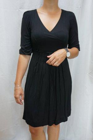 NEU: Schwarzes Kleid Zara, Klassiker, Gr. S, NP 24,90 €