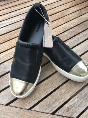 NEU Slipper Schuhe Damen schwarz mit abgesetzter Kappe metallic Gr. 38 Stradivarius