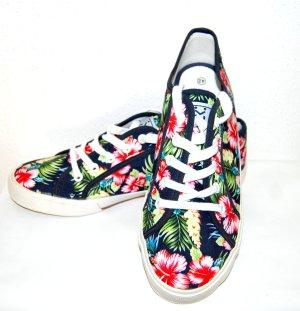 Neu – Sneaker mit Blumenprint von U&ME Gr. 42