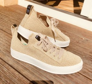 NEU Sneakers Replay
