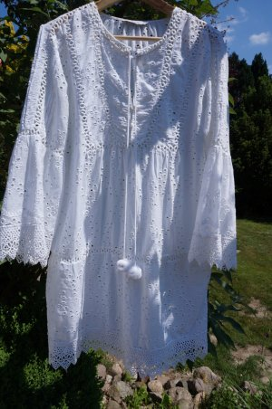 # Neu! Sommerkleid Lochstickerei M