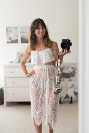 Falda de encaje blanco