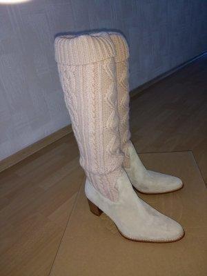 Neu: Stiefel mit Strick