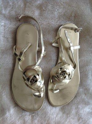NEU Süße Zehen-Sandalette mit Blume in Gold