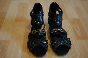 NEU! Tamaris Ethno Sandalen mit Keilabsatz (dunkelbraunes Leder mit Nieten)