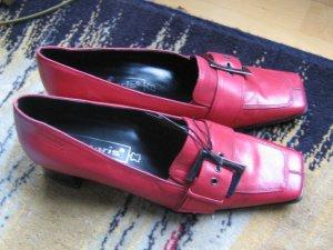 Neu!Tamaris Pumps in rot, Größe 38, komplett aus Leder
