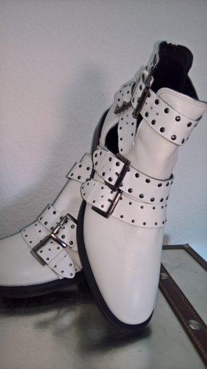 Topshop Cut Out Booties white leather