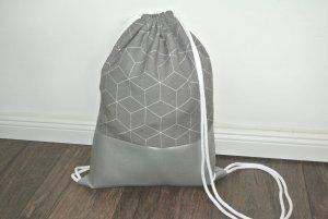 Neu - Turnbeutel - Rucksack grau geometrisch Leder silber -