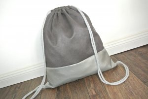Mochila escolar color plata-gris