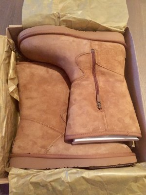 UGG Boots beige