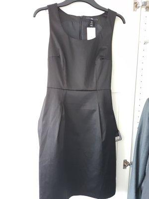NEU & ungetragen: Kleid // Etuikleid // das kleine Schwarze // 38