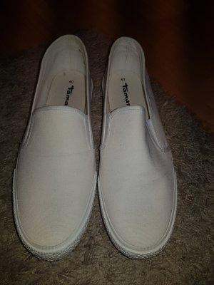 NEU Verkaufe die Schuhe von TAMARIS der Gr. 40 zum Reinschlupfen