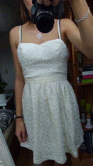 Neu! Vero Moda - Spitzenkleidchen, Kleid; Gr. 38