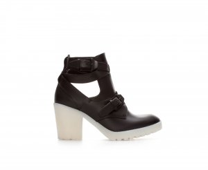 Neu! Zara Nappa Leder Cut Out Kontrast-Heels 90ies Grunge Fashion Blogger
