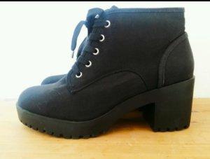 Neu Zara Plateau Boots Stiefeletten Schwarz mit Schnürung