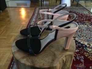 NEU: ZARA Riemchen Sandaletten in T-Strap nude/schwarz, Größe 39