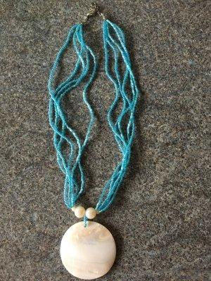 Collana di perle azzurro-celeste