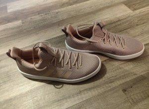Neue Adidas Schuhe Größe 40 2/3