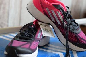NEUE Adidas Sportschuhe