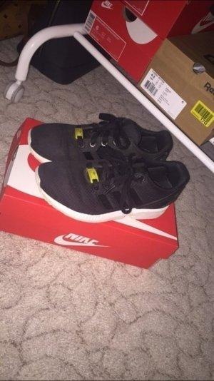 neue adidas zx flux in schwarz