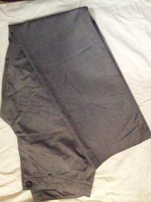 Neue Anzugshose in grau