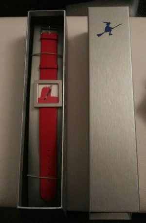 Art Watch With Leather Strap red-silver-colored