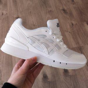 Neue Asics sneaker turnschuhe ungebraucht in weiss 39
