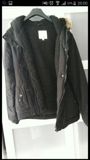 NEUE Bench Jacke schwarz