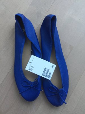 Neue blaue Ballerinas