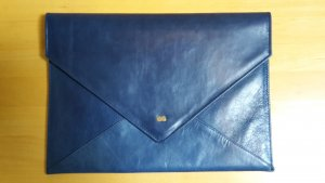 NEUE blaue PROJECT OONA Clutch Modell 'Emilie' in Glattleder