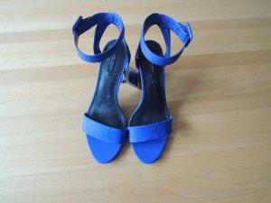 Neue, blaue Sandalen von Zara mit Etikett, Gr. 39
