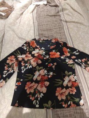 neue Bluse Gr. 34