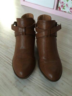 Neue braune Leder- Stiefeletten