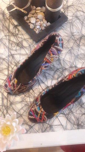 Neue bunte Keilabsatz Schuhe nie getragen.