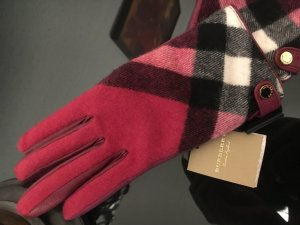 Burberry Padded Gloves dark red-raspberry-red cashmere