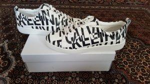 Neue Calvin Klein Sneakers