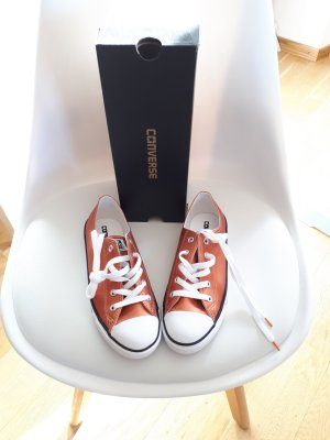 Converse Lace-Up Sneaker neon orange leather